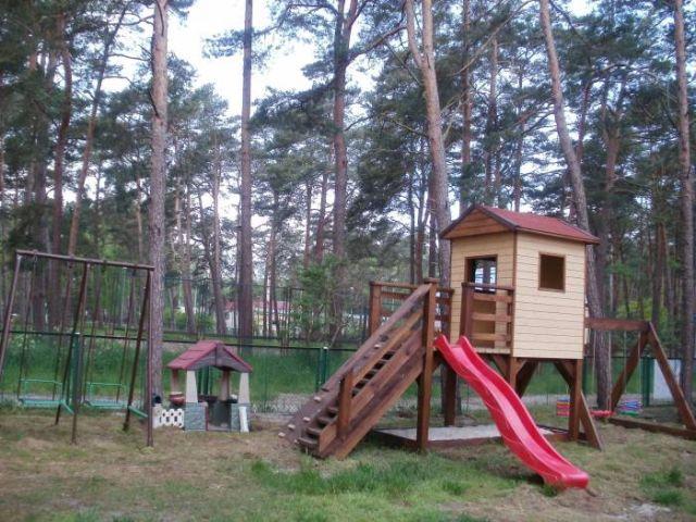 Domki Letniskowe BLISKO MORZA - 100m od plaży Międzywodzie Na ośrodku - PLAC ZABAW.