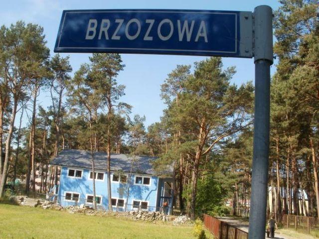 Domki Letniskowe BLISKO MORZA - 100m od plaży Międzywodzie Domek piętrowy z mieszkaniami 2-pokojowymi.
