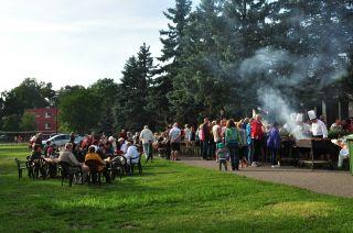Ośrodek Wypoczynkowy SŁOWIANKA Darłówko Grill dla wczasowiczów