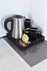 Zielony Zakątek - Nowoczesne Pokoje Ustka Zestaw kawowy w każdym pokoju