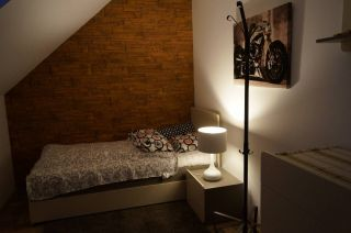 Domki Apartamentowe VISTA MARE Cisowo k. Darłówka sypialnia dla dzieci na piętrze