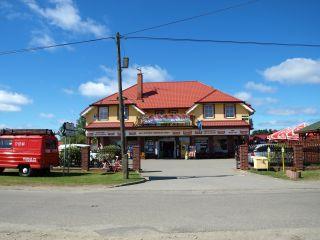 Domki MARIO Gąski piękny duży samoobsługowy sklep na terenie posesji